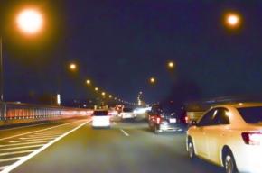 夜の高速道路の画像