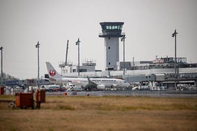 飛行場の風景写真。