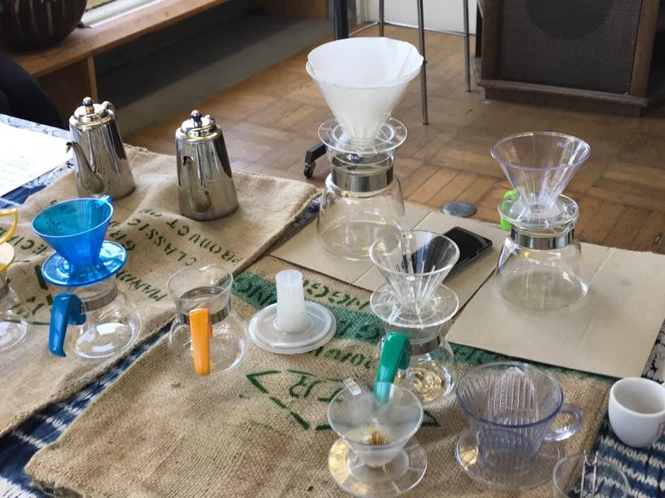 コーヒー抽出の実験風景