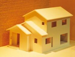 新築の家の模型画像